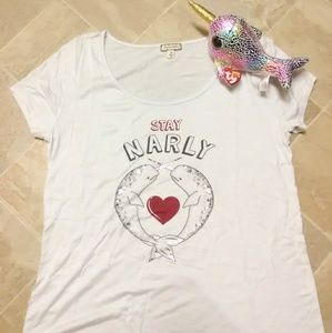 "Eyeshadow White ""STAY NARLY"" Narwhal Tee"